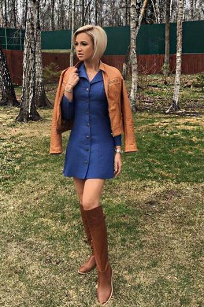 Ольга Бузова в платье собственного бренда