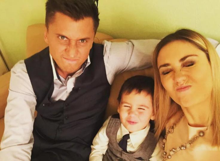 Казалось, еще недавно Павел был счастлив с Агатой, которая родила ему сына и дочь