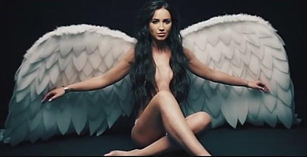 Ольга Бузова на съемках обложки для сингла