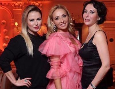 Татьяна Навка устроила роскошный праздник для друзей