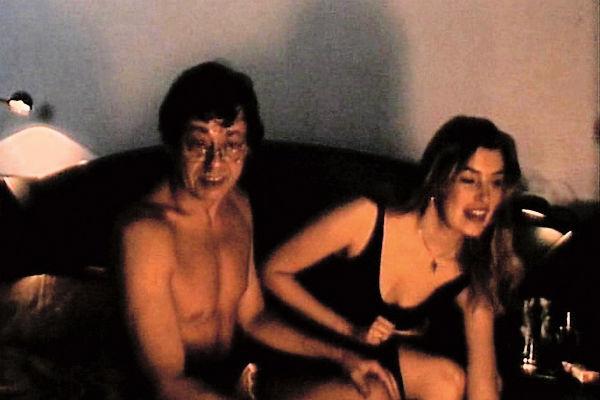 Чаще всего ей доставались романтические роли. На фото с Николаем Караченцовым в картине «Цирк сгорел, и клоуны разбежались»