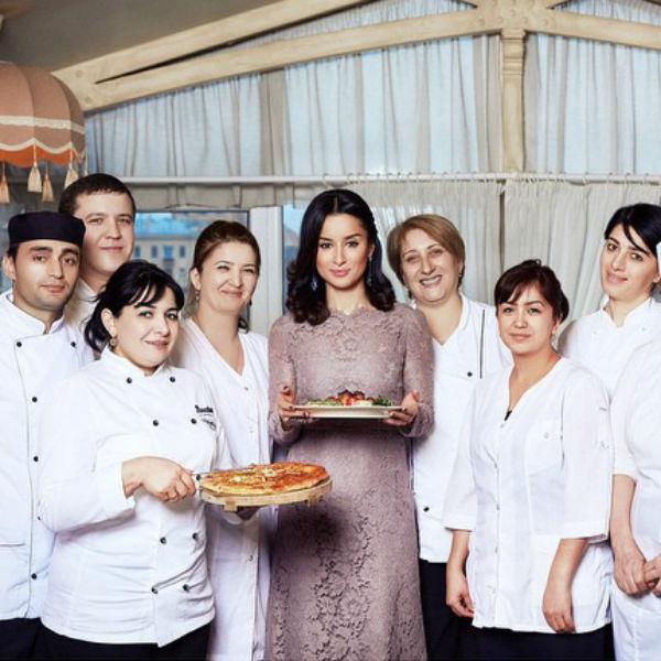 """Ресторану """"Тинатин"""" сегодня исполняется четыре года"""