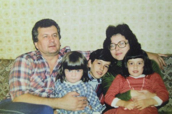 Композитор с женой и детьми