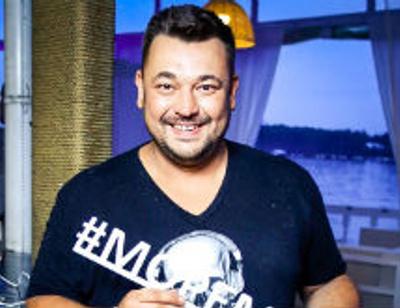 Сергей Жуков собрал друзей в своем новом ресторане