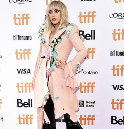 Певица на премьере фильма «Гага: 155 см», Торонто