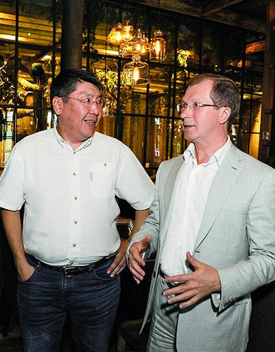 Федор Луковцев (заместитель председателя правительства Забайкальского края) и Виктор Шкулев