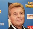 Лев Лещенко покидает клинику в Коммунарке – видео