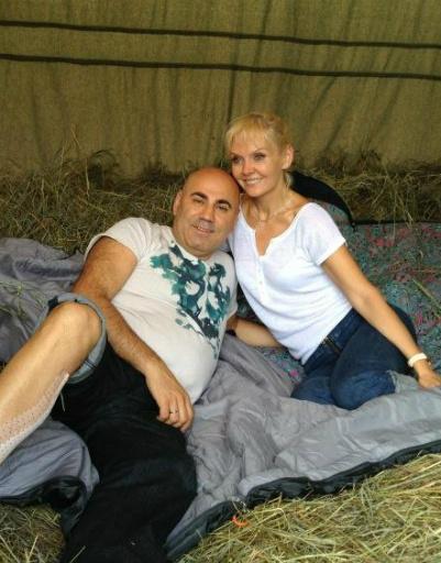 Романтичный пикник супругов на сеновале. Иосиф утверждает, что они провели здесь ночь!
