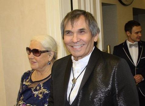 Бари Алибасов готов стать отцом для внука Марии Шукшиной