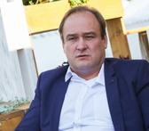 Актера сериала «Склифосовский» Ивана Рыжикова госпитализировали с травмой мозга после избиения