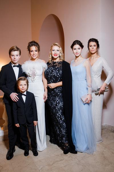 Юлия Барановская и Екатерина Одинцова с детьми
