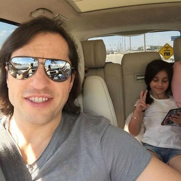 Александр Ревва с Алисой по дороге на рейс в Лондон