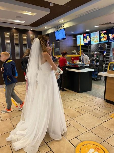 В конце августа 2020-го Женя вышла замуж во второй раз