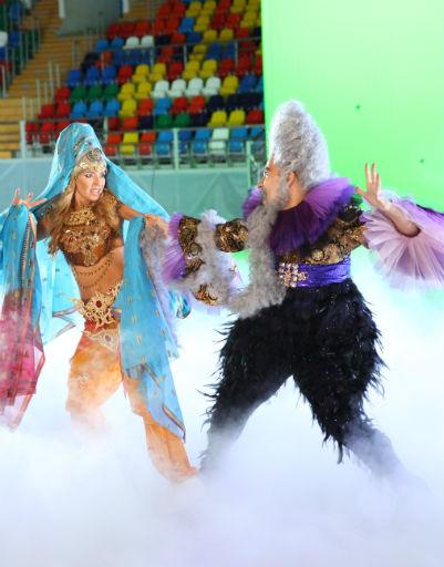 Спортсмены репетируют в новых костюмах