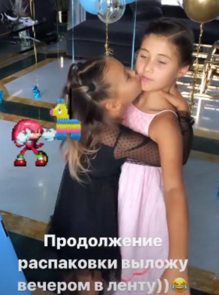Лея Самойлова отмечает шестилетие