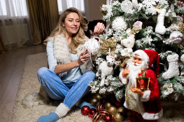 Актриса призналась, что очень любит праздновать Новый год, но каждый раз отмечает его по-разному