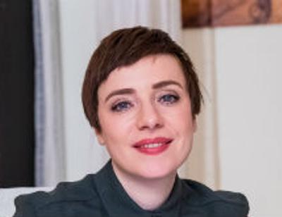 Тутта Ларсен расскажет молодым родителям о быстром сексе