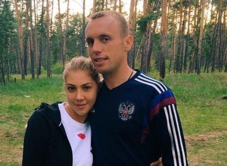 Жена Дениса Глушакова опасается за свою жизнь после угроз футболиста