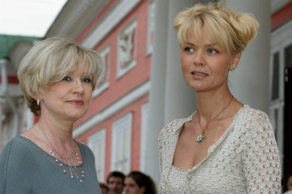 Вера Алентова с дочерью Юлией в 2006 году