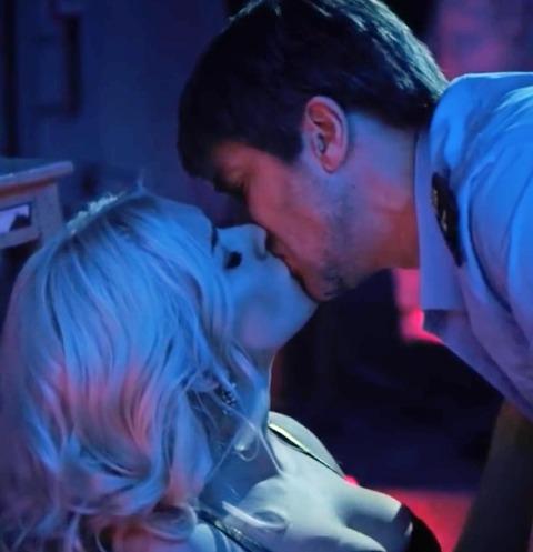 Сара Окс: «Мы с Нагиевым целовались по-взрослому»