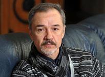 Избиение, кома и реабилитация – Евгений Леонов-Гладышев борется за жизнь