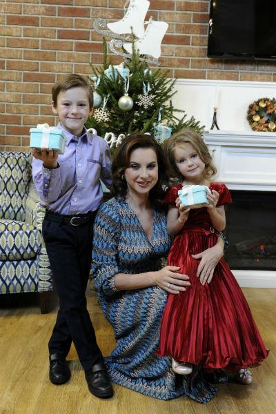 Ирина Слуцкая с детьми
