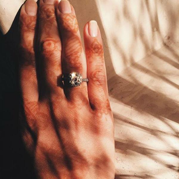 На кольцо для Инги Нори копил целый год