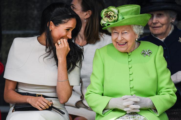 На публике королева Елизавета II всегда вела себя дружелюбно с невесткой