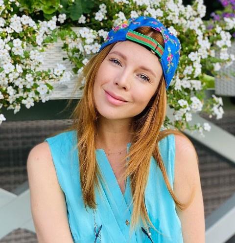Наталья Подольская перестала скрывать беременный живот