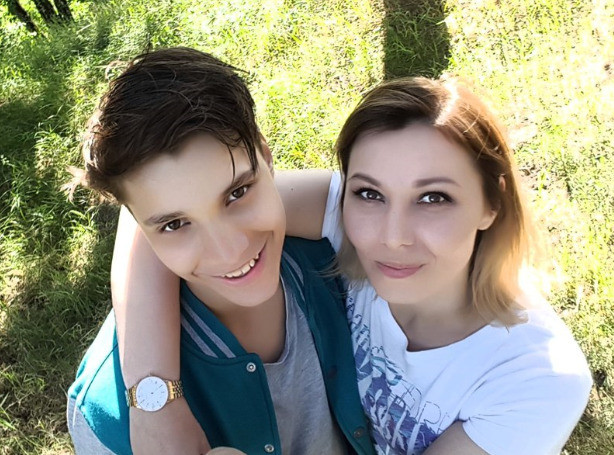 Влад Бахов с мамой