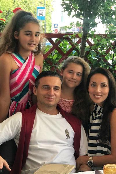 Алсу и Ян с дочками