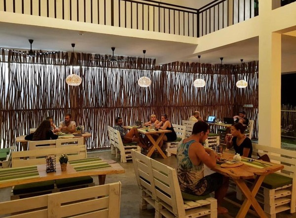 Дизайн кафе продумывали постепенно