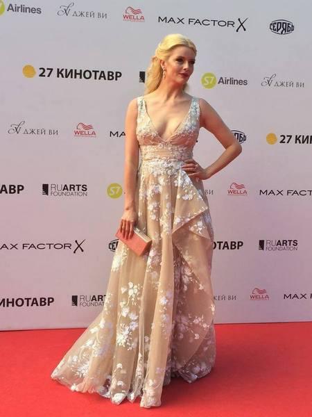 Анна Чурина