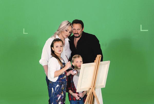 С дочками Инна и Стас снялись в клипе «Наши дети»