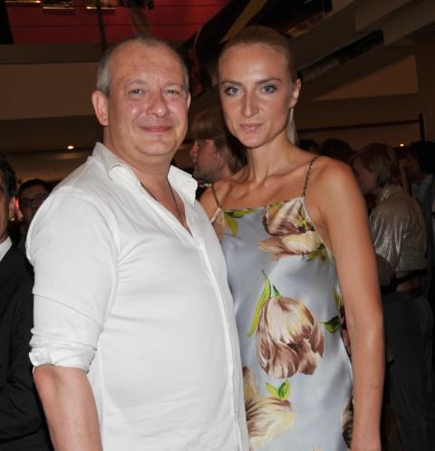 Вдова Дмитрия Марьянова опровергла секс с экс-солистом «Доктора Ватсона»