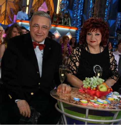 Евгений Петросян и Елена Степаненко развелись в прошлом году