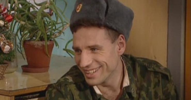 Актера сериала «Солдаты» Виталия Абдулова избили в Москве