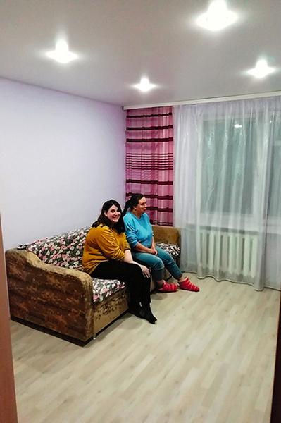 Полина Геннадьевна помогала отремонтировать комнату дочери