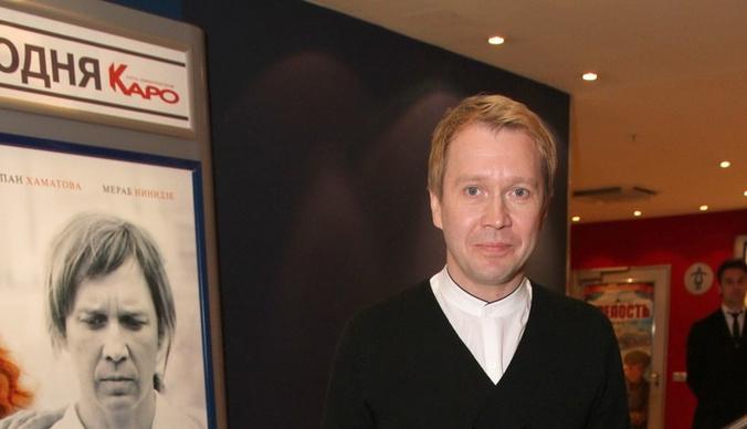 Евгений Миронов получил сотрясение мозга в театре