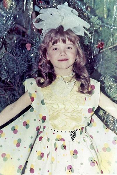 В детстве Лена увлекалась танцами и вокалом