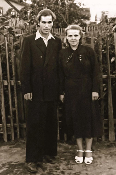 Родители Вячеслава Фетисова - Александр Максимович и Наталья Николаевна.