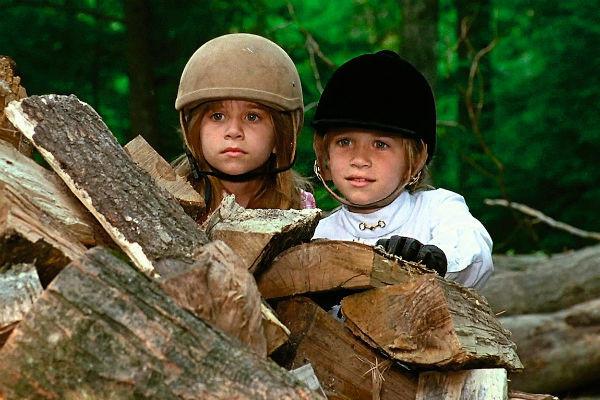 Сниматься девочки начали еще в детстве. В фильме «Двое: Я и моя тень»