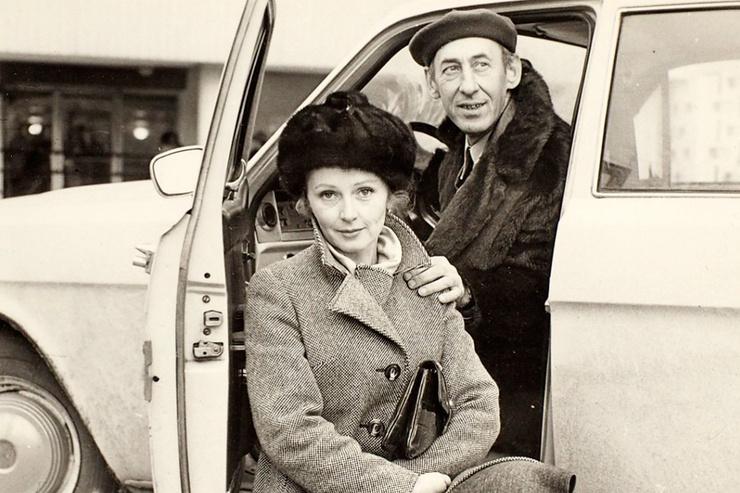 Многие полагали, что молодая Титова связалась с 40-летним режиссером ради карьеры