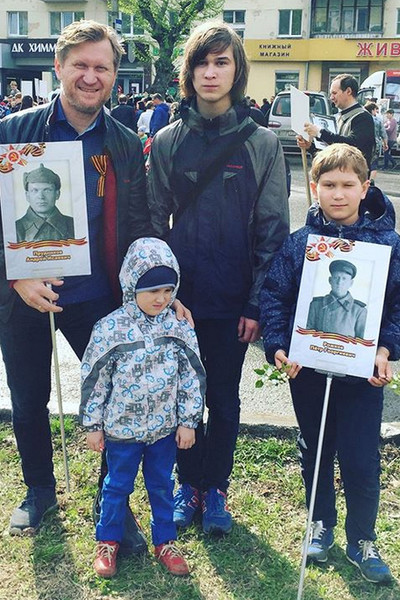 У Андрея Рожкова растут трое сыновей