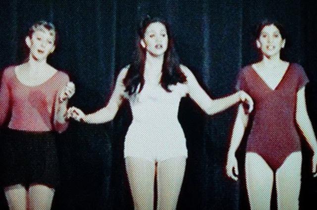 Герцогиня принимала участие в школьных спектаклях