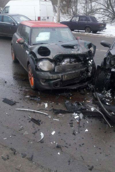Актер рад, что его машина застрахована. Кадр с места происшествия