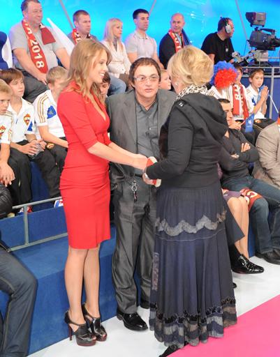 Наталья Селезнева с Дмитрием Дибровым и его женой Полиной