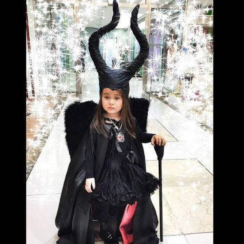 Новости: Дочь Джигана превратилась в Малефисенту – фото №2