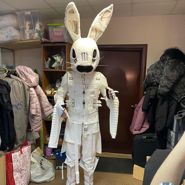 Тимур Батрутдинов в костюме Зайца