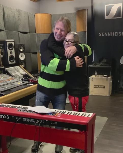 Виктор Дробыш взял Наргиз в свой продюсерский центр после благословления Максима Фадеева